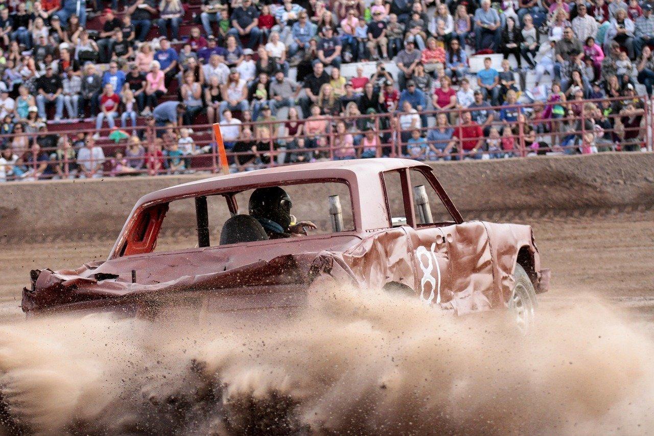 Demolition Derby Cars Crash Wreck  - caltatum / Pixabay